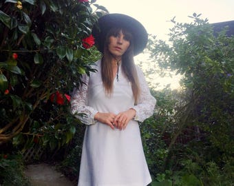 60's MOD Vintage vtg 60s – gogo - Twiggy - babydoll - dolly - hippie mini dress