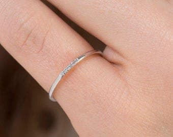 Thin Diamond Ring, Band with 5 diamonds, Diamond Band Ring, Skinny Ring, 1 mm Band Ring, Thin Wedding Band, Gold Stacking Ring, Thin Ring