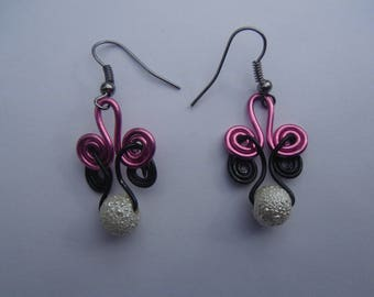 Pink and Black spiral beaded Earrings