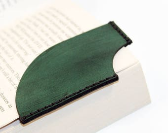 Leather bookmark, Green bookmark, Bookmark Corner, Gifts for Booklover, Gifts for bookworms.