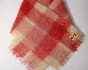 Vintage long mohair plaid light pink and cream scarf, 1950s / 60s