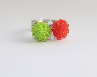 flower rings, stackable rings, rings, flower, holiday gifts, flowers, gifts for her, red flowers, green, children gifts, green flowers, boho