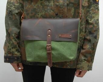Waxed canvas messenger  bag ,moss green  color