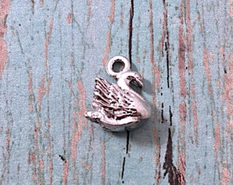 Small swan charm 3D silver plated pewter (1 piece) - swan pendant, water fowl charm, bird charm, ballet charm, small silver swan, P11
