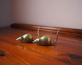 Vintage pair of two brass mouse.