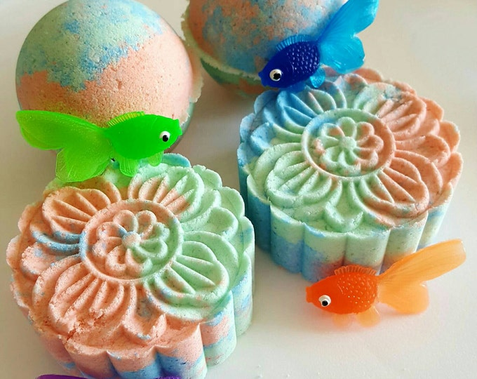 6 Tropical Fish Surprise Bath Bombs