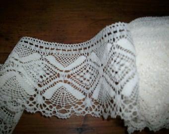 "Antique cotton pretty lace 3 "" wide beautiful pattern cotton"
