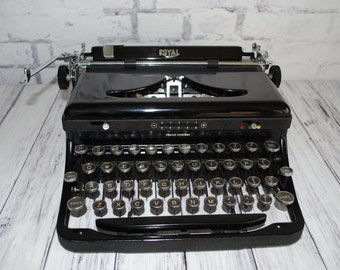 Typewriter Royal Speed King Model B Working Restored Manual Portable Rare, 1938, Professionally Serviced and Restored, New Ribbon and Manual