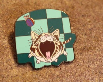 Vintage Gary Patterson Cat Pin, Cat Crying or Yawning, Mouse has his Ball
