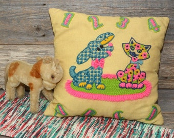 VINTAGE CHILD'S PILLOW: Crewel work embroidered pillow
