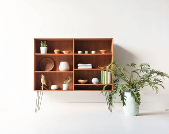 Danish Teak Curio Cabinet/Shelving Unit on Hairpin Legs with Adjustable Shelving