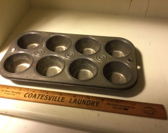 Vintage tin muffin pan