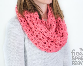 Coral Pink Chunky Infinity Scarf, Handmade Woollen Scarf, Chunky Scarf, Crochet Scarf, Eternity Scarf, Winter Clothing, Winter Scarf, Circle