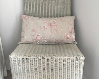 Pink flower pattern cushion with pad