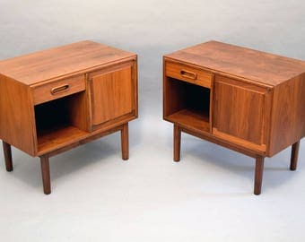 PAIR of Jack Cartwright for Founders Walnut Nightstands or End Tables