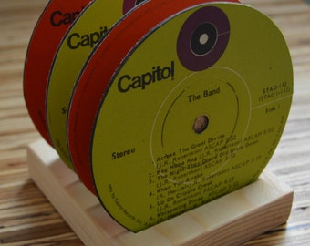 4 the band vintage  record vinyl label drink coasters with wooden display base