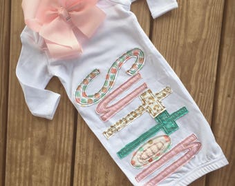 Appliqué name baby gown