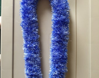 Royal Blue & White Hoku Yarn Lei