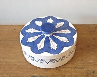 Vintage ceramic box