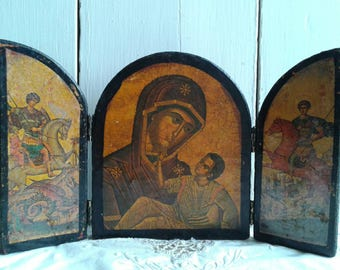 Charming French vintage triptych, religious Catholic wall hanging, Mary and Jesus, circa 1960s.