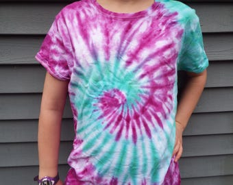 Ladies Tie Dye Shirt, Ladies L, Womens Tie Dye in Purple and Green, Ladies Cut Shirt, Hippie Women, Boho Tshirt, Ladies Tee, Hippie Clothing