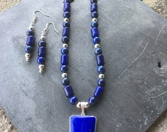 Lapis lazuli geometric pendant