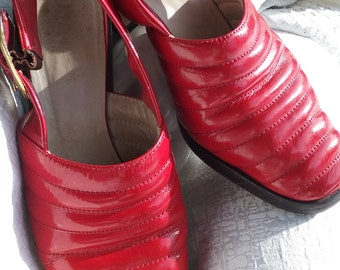 1970s Red Patent Leather Slingback Pumps - 8 B