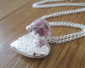 Medallion with pink flowers