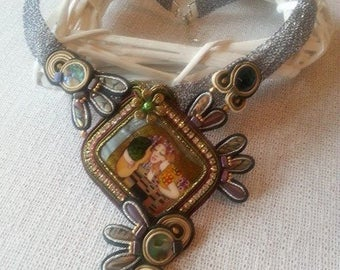 Crocheted wire necklace with Soutache element and hand-painted miniatures on Mother of Pearl (Gustav Klimt: The Kiss)