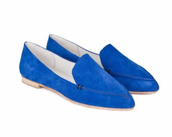 Blue suede loafer, Smoking slipper