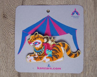 Embroidered  patch Pin (tiger)