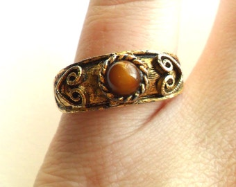 Vintage Vogue Tiger Eye Ring Adjustable Tigers Cats Eye Gold Tone Heart Boho Bohemian Gypsy 1970s Style Signed Marked