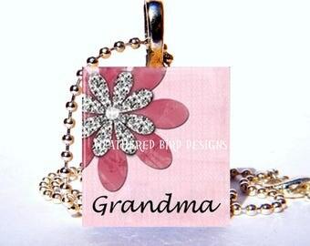 Scrabble tile pendant with chain - Grandma 002