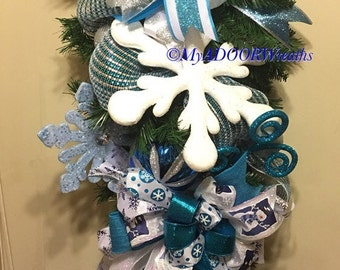 Snowflake Swag Wreath, Christmas Wreath, Frozen Swag, Winter Whimisical Wreath, Holiday Yule Swag, Snowflakes Decor, Blue Silver Teardrop