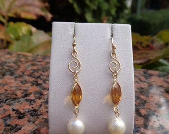 585 gold filled with Akoya pearls and spiral, handmade earrings!