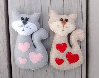 Felt Cat with Hearts / Felt Ornament/ Easter Ornament / Valentine Gift / Christmas Ornament/ Handmade