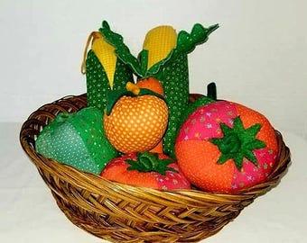 Vintage Stuffed Vegetables,Vintage Cloth Vegetables,Vegetable Display,Pretend Play,Kitschy,Retro Kitchen,Boho,Retro,Tomato,Corn,Carrot,1970s