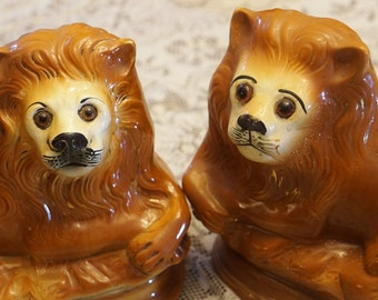 Antique Staffordshire Recumbent Lions Lion Pottery Scotland Antique Large Figurines GREAT Condition with Glass animated eyes
