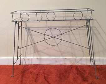 Retro Plant Stand, Grey Painted Wire Plant Holder, Wire Stand, Mid Century Plant Stand, Plant Shelf, Narrow Plant Holder, Patio Decor