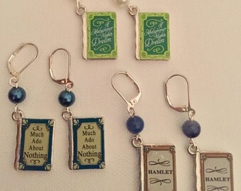Shakespeare earring set