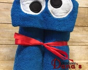 Cookie Monster Hooded Towel ~ Sesame Street Hooded Towel ~ Sesame Street Nursery ~ Sesame Street Birthday ~ Pool Towel ~ Beach Towel