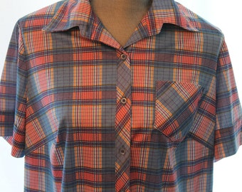Vintage Ladies Plaid Shirt - Vintage Button Down Top - Polyester pink and Blue Plaid Blouse - Free Shipping within Canada and the USA