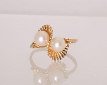 14K Yellow Gold Double Pearl 6-6.5mm Vintage Estate Ring June Birthstone Unique Design