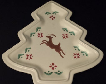 "Vintage Pfaltzgraff Nordic Christmas Tree Platter, 10-1/2"" x 9"" (At Widest)"
