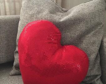 Valentine's Day heart pillow paiettato