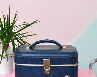 """Vintage """"Lite-Pac by Neevel"""" Train Case in Navy Blue & Silver"""