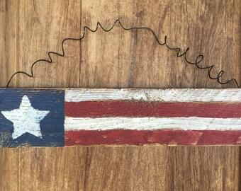 Rustic American Flag Sign