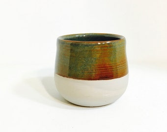 Turquoise Zen Pantone Bowl – Modern handmade ceramics / pottery – Gold speckle catchall – Key and jewelry holder – Home Décor – Zen & Whimsy