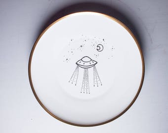Illustrated Plate, Art on Porcelain, individual item, I want to believe, UFO, Alien, Nerdy Art, handpainted illustration, original,
