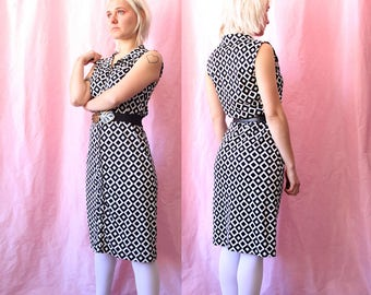 70s dress / buttoned dress / geometric dress / black and white dress / op art dress / mod dress / rhombus print / psychedelic dress